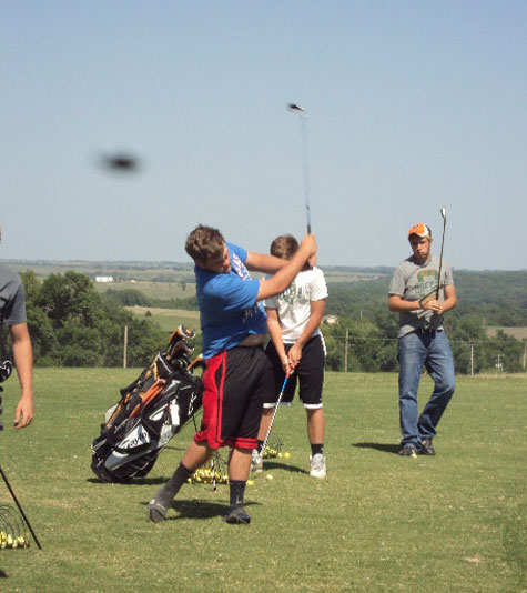 """Photo of Object """"Apparently"""" Seen by Golfers."""