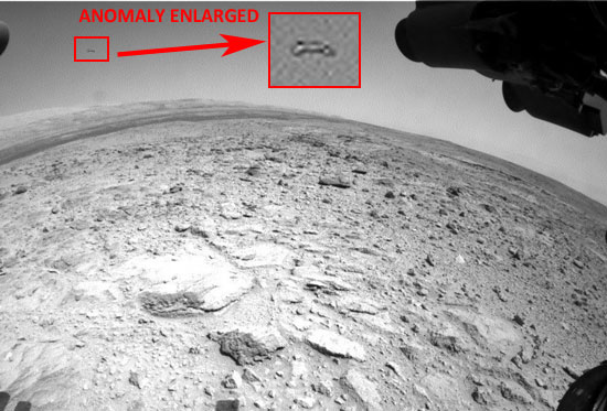 PHOTO & ENLARGEMENT OF ANOMALOUS OBJECT TAKEN BY MARS LANDER.