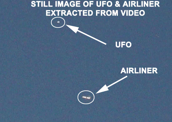 IMAGE OF UFO & AIRLINER EXRACTED FROM VIDEO.
